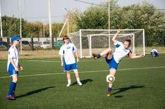 Футбол игры девушек Стоковое фото RF