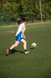 Футбол игры девушек Стоковые Изображения RF