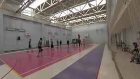 Футбол игры 2 команд в спортзале спорт Olympiysky сложных видеоматериал