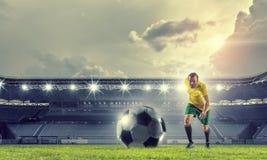 Футбол препровождает игрока Мультимедиа Стоковые Изображения RF