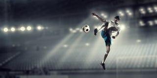 Футбол препровождает игрока Стоковые Изображения