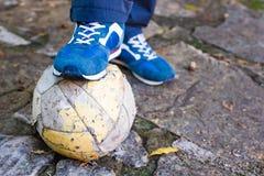 футбол шарика пакостный Стоковые Изображения