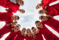 Футбольная команда детей стоковые изображения
