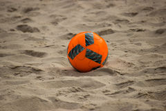 Футбольный мяч на пляже, парке Greynolds, южной Флориде Стоковое фото RF