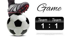 Футбольный мяч с ногами футболиста на ем табло abd Стоковое Фото