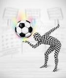 Футбольный мяч holdig костюма тела человека полностью Стоковое Изображение RF