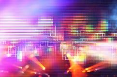 Футуристическая ретро предпосылка стиля 80 ` s ретро Поверхность цифров или кибер неоновые света и геометрическая картина стоковое фото