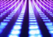 Футуристический пинк и пурпурная пефорированная предпосылка апертур стоковое фото rf