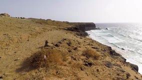 Фуэртевентура, Канарские острова, пляж черного вулканического камня акции видеоматериалы