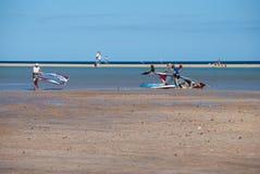 Фуэртевентура, windsurfers Стоковые Изображения