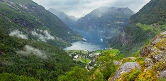 Фьорд Geiranger от держателя Dalsnibba, Norge стоковые изображения