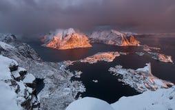 Фьорд Lofoten, Норвегия Стоковые Изображения RF