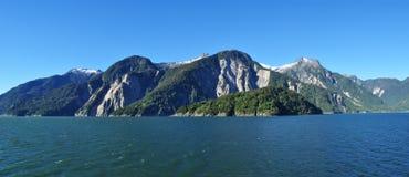 Фьорд Aysen и окружающая територия Puerto Chacabuco, Патагония, Чили, Южная Америка Стоковая Фотография RF