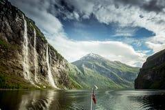 Фьорд Geiranger, красивая природа Норвегия Стоковое Изображение RF