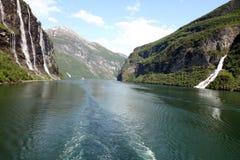 Фьорд Geiranger, Hellesylt Норвегия Стоковое Изображение