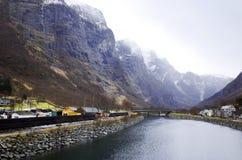 Фьорд Gudvangen, Норвегия стоковые фотографии rf