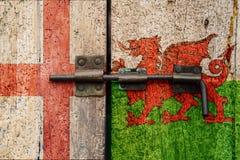 Флаги Англии v Уэльс стоковое фото rf