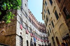 Флаги в Сиене, Италии стоковое изображение