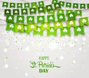 Флаги гирлянды с клеверами Ирландский день ` s St. Patrick праздника Стоковая Фотография RF