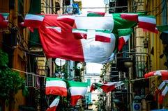 Флаги итальянки на испанских кварталах Стоковое Изображение RF