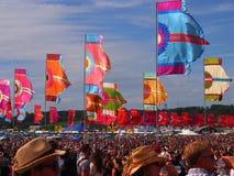 Флаги и толпа музыкального фестиваля Стоковое Фото