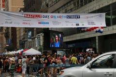 флаги феиэрверков дня Бастилии предпосылки праздничные Стоковое Изображение RF
