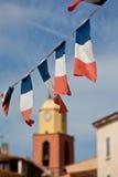 Флаги француза в St Tropez стоковые фотографии rf