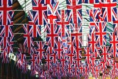 Флаг британцев на ветре Стоковые Фотографии RF
