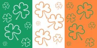 Флаг дня ` s St. Patrick с малым shamrock Стоковое Фото
