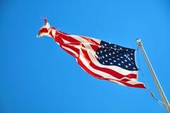 Флаг США летает в ветер в Юте США Стоковая Фотография RF