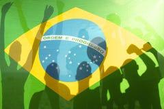 Флаг футбольной команды чемпиона выигрывая бразильский Стоковое Изображение RF