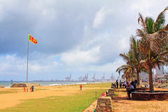 Флаг Шри-Ланки и гавань стоковые фотографии rf