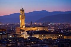 Флоренс на сумерк от Piazzale Микеланджело (Тосканы, Италии) Стоковые Фото
