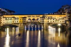 Флоренс, Ponte Vecchio, голубой час Стоковое фото RF
