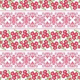 Флористическая безшовная картина, милый красный цвет шаржа цветет белая предпосылка Стоковые Изображения
