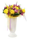 Флористический букет centerpie расположения желтых роз и орхидей Стоковые Изображения RF