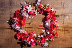 Флористический венок с цветками весны Стоковое Фото