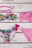 Флористический и розовый комплект бикини Стоковое фото RF