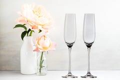 Флористический модель-макет - 2 пустых стекла шампанского Стоковые Фото