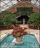 Флористический фонтан Стоковая Фотография RF