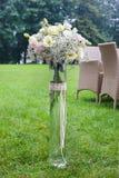 Флористическое украшение с цветками гвоздики и eustoma Стоковое Фото