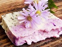Флористическое Handmade мыло Стоковая Фотография RF