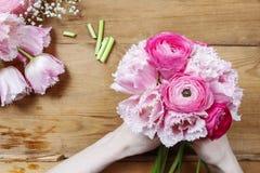 Флорист на работе Стоковая Фотография