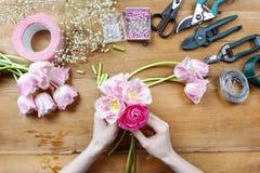 Флорист на работе Стоковые Изображения