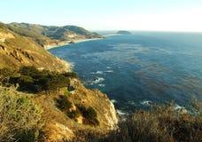Хайвей Калифорния 1 побережье Тихого океана стоковые изображения rf