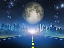 Хайвей к городу и луне Стоковое Изображение