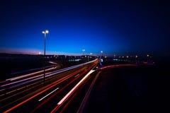 Хайвей на ноче Стоковые Фотографии RF