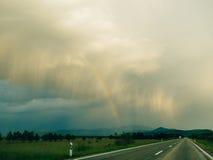 хайвей над радугой стоковое фото