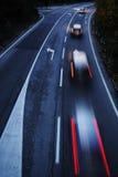 Хайвей с автомобилями Стоковые Изображения