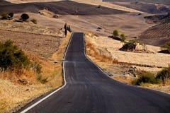 Хайвей через Andalusian поля стоковые изображения rf